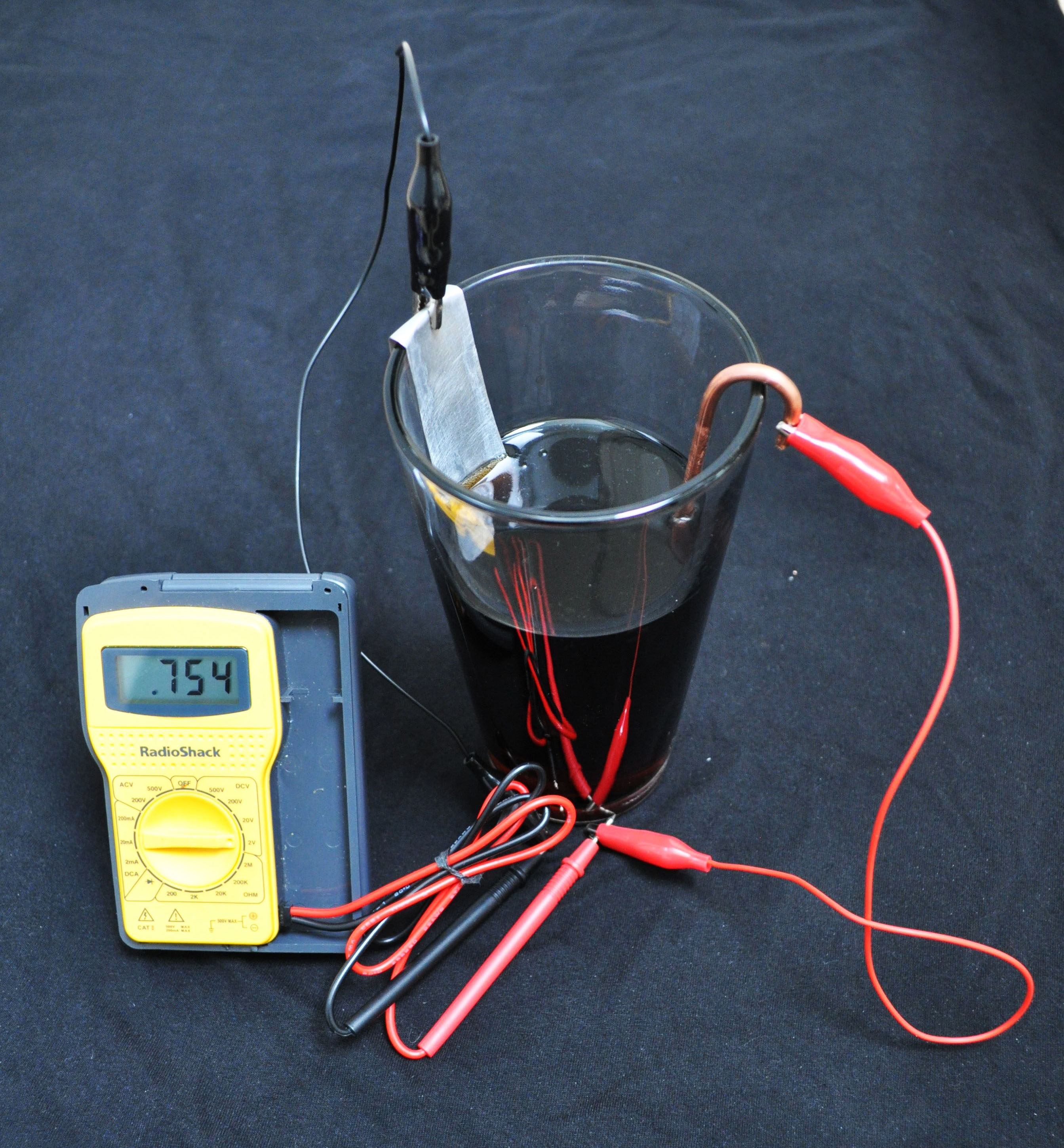 vinegar as a source of battery Vinegar as alternative battery introduction a simple battery can be constructed with a cup, a copper strip, and a zinc strip attach wires to each strip and place them in the cup.